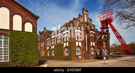 wages hall and shaft tower of the former coal mine Bonifacius, Germany, North Rhine-Westphalia, Ruhr Area, Essen - Stock Photo