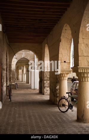 Africa, Eritrea, Massawa, collanade below Ottoman arches of former Hotel Savoyia - Stock Photo