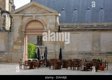 Aux Armes De France Restaurant