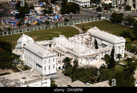 Aerial view of the Presidential Palace destroyed in the 7.0 magnitude earthquake that killed 220,000 people January - Stock Photo