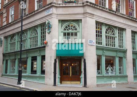 Fortnum & Mason department store Jermyn Street St James ...