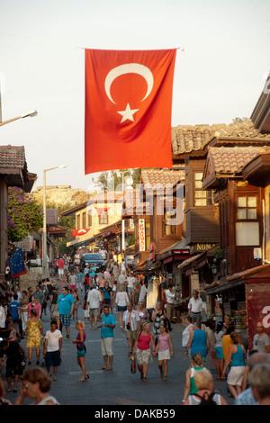 Türkei, Provinz Antalya, Side, Selimiye bildet das Zentrum von Side. Haupteinkaufsstrasse - Stock Photo