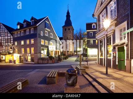 old city of Hattingen with Sankt Georg church in the evening, Germany, North Rhine-Westphalia, Ruhr Area, Hattingen - Stock Photo