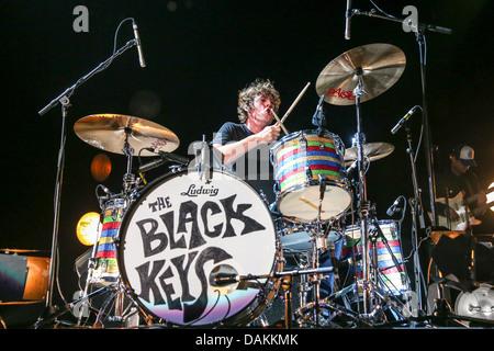 The Black Keys live in the US in 2013 - Stock Photo