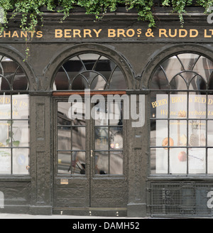 Wine Merchants traditional shopfront in St James's Street, London - Stock Photo