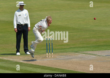 Manchester, UK. 16th July, 2013. Glen Chapple (Lancashire) bowls on the second day of the 4 day match against Glamorgan. - Stock Photo