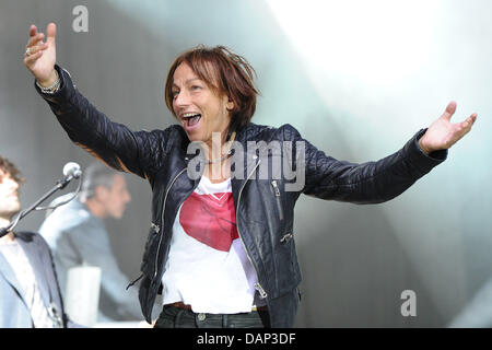 The Italian singer Gianna Nannini performs at Burg theatre in Dinslaken, Germany, 20 July 2011. Photo: Revierfoto - Stock Photo