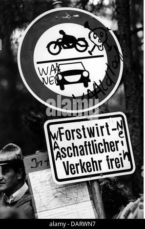 politics, demonstrations, Germany, protest against the nuclear recycling plant at Wackersdorf, slogans writen on - Stock Photo