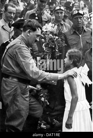 Hitler, Adolf, 20.4.1889 - 30.4.1945, German politician (NSDAP), with a young girl, election campaign, 1932, Additional - Stock Photo