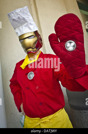 San Diego, California, USA. 18th July, 2013. Costumed fans descend on the San Diego Convention Center for San Diego - Stock Photo