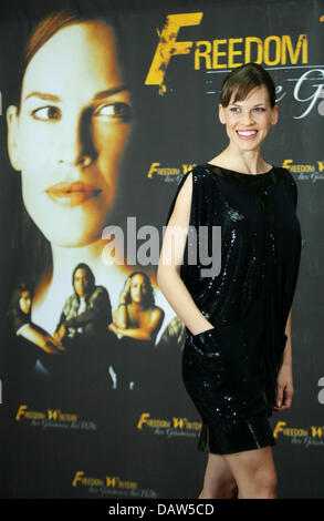 US American actress Hilary Swank smiles during a photo call for her new film 'Freedom Writers' at Hotel Adlon in - Stock Photo
