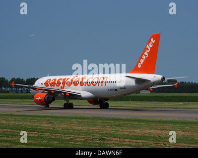 G-EZTG easyJet Airbus A320-214 - cn 3946 6 - Stock Photo