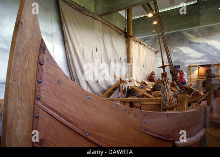 A reconstructed Viking ship of the 11th century, discoverd in the Roskilde fjord in 1962, is presented in the ship - Stock Photo