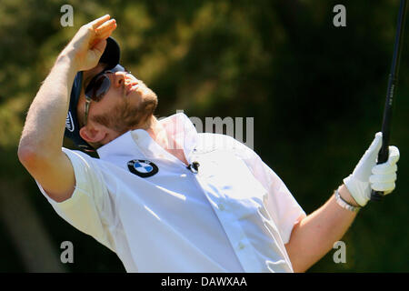 German Formula One pilot Nick Heidfeld of BMW Sauber team is pictured on a golf course near Valencia, Spain, Wednesday, - Stock Photo