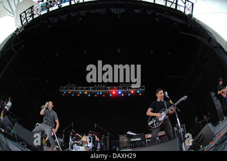 Portsmouth, Virginia, USA. 18th July, 2013. Pennywise live at The Ntelos Pavilion in Portsmouth. Credit:  Jeff Moore/ZUMAPRESS.com/Alamy - Stock Photo
