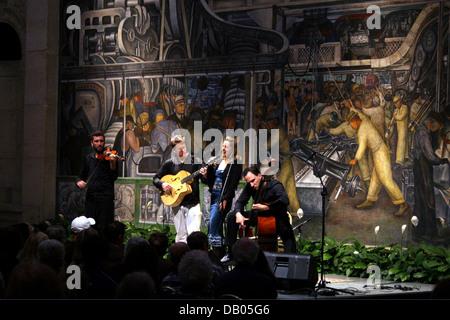 Diego rivera detroit institute of art industrial murals for Detroit mural factory