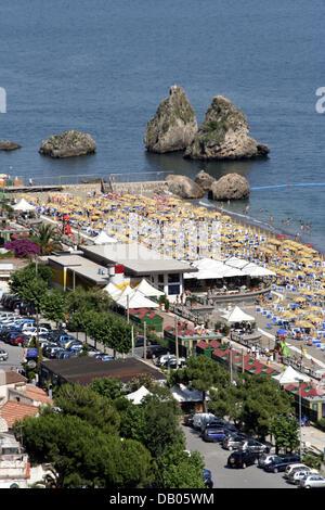 View on the beach of Amalfi Coast town Vietri sul mare, Italy, 18 June 2007. Photo: Lars Halbauer - Stock Photo