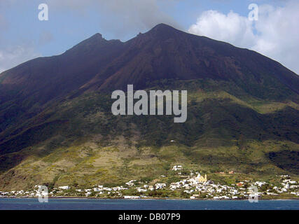 The picture shows the village of Stromboli on the Aeolian island of the same name in Italy, 30 May 2007. The Aeolian - Stock Photo