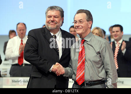 Re-elected chairman of the Social Democrats (SPD) Kurt Beck (L) and German Minister of Labour and Vice-Chancellor - Stock Photo