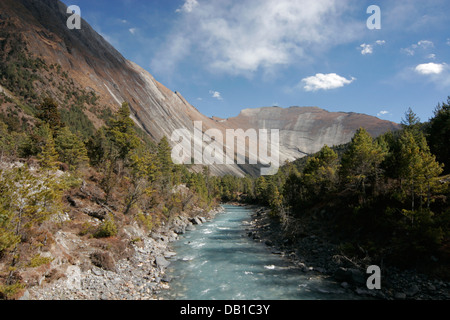 Mountain landscape in Annapurna Conservation Area, Annapurna Circuit, Nepal - Stock Photo