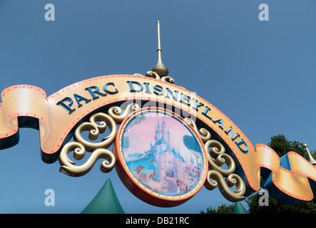 Sign above entrance to Parc Disneyland (Disneyland Paris), Marne-la-Vallée, near Paris, France. - Stock Photo