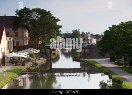 Burgundian canals - Canal du Centre - Stock Photo