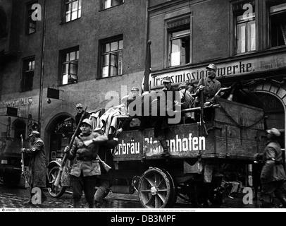 Beer Hall Putsch 1923, arrival of putschists from Pfaffenhofen, Bürgerbräukeller, Munich, Germany, 9.11.1923, 1920s, - Stock Photo