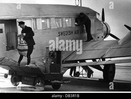 transport / transportation, aviation, passenger plane, Junkers Ju 52, Swedish Air Lines, airport, Zweden, Netherlands, - Stock Photo