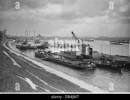 industry, shipbuilding, dockyard for cargo ships, Homberg on the Rhine, Germany, May 1928, Additional-Rights-Clearences - Stock Photo