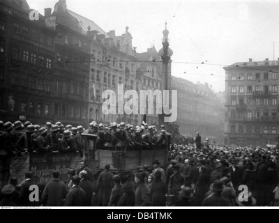 Beer Hall Putsch 1923, putschists in lorry at Marienplatz, occupation of the town hall, Munich, Germany, 9.11.1923, - Stock Photo