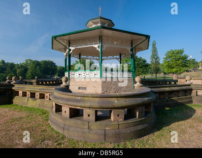 detail of the sandstone curved wall surrounding the bandstand at Greenhead park, Huddersfield - Stock Photo