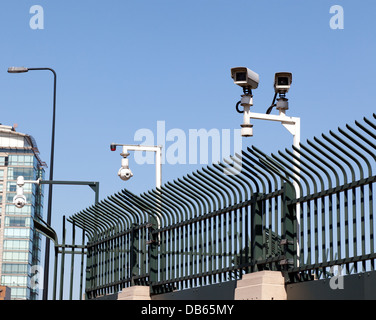 Multiple CCTV  security cameras  on the perimeter of the MI6 building, at Vauxhall Cross, London. - Stock Photo