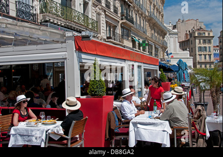 Miramar bouillabaisse fish soup restaurant cafe bar pub marseilles stock photo 58580755 alamy - Bouillabaisse marseille vieux port ...