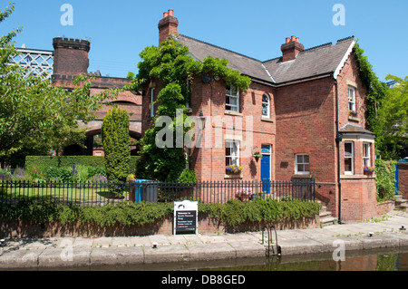 Rochdale Canal Dukes Lock 92 house, Castlefield, Manchester, UK - Stock Photo