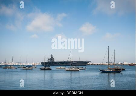 Sept. 20, 2011 - San Diego, California, United States - The USS Abraham Lincoln, the fifth Nimitz-class nuclear - Stock Photo