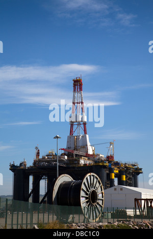 Sedco 712 Rig owned by Transocean Inc. a Semisub drilling rig at Invergordon, Cromarty Firth, Scotland, UK - Stock Photo