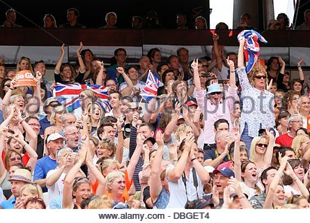 London, UK. 27th July, 2013. The crowd cheer on the Athletes.Sainsbury - Stock Photo
