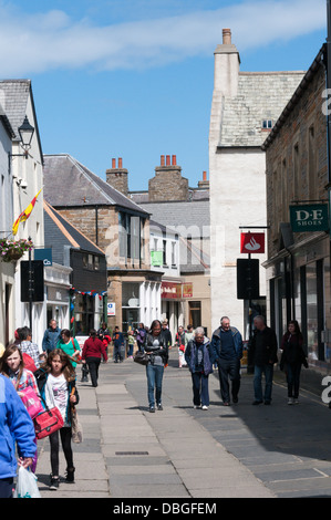 Albert Street, the main shopping street in Kirkwall, Mainland, Orkney. - Stock Photo