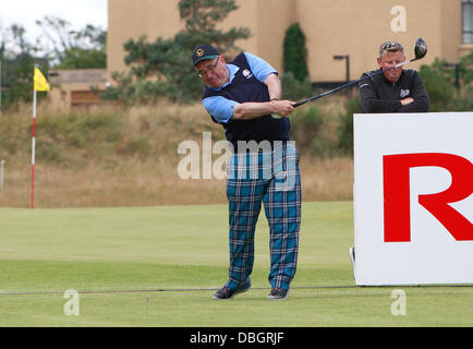 St Andrews, UK. 30th July, 2013. Catriona Matthew plays alongside Scotland's First Minister Alex Salmond in the - Stock Photo