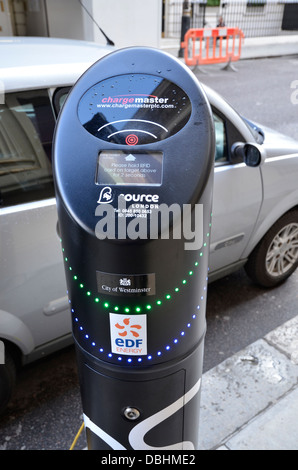 An electric car charge point in Mayfair, London - Stock Photo
