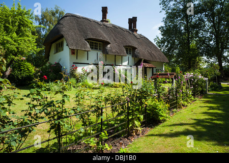 A picturesque thatched cottage in the tiny chilterns village of Horsenden near Princes Risborough, Buckinghamshire, - Stock Photo