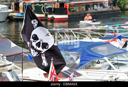 Maidstone, Kent, England, UK. Annual Maidstone River Festival (July 27th 2013) Jolly Roger / Skull and Crossbones - Stock Photo