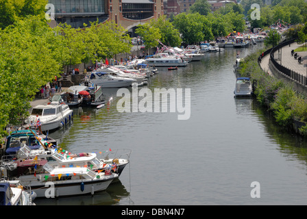 Maidstone, Kent, England, UK. Annual Maidstone River Festival (July 27th 2013) Boats moored along the bank of the - Stock Photo