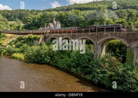 River Dee at Berwyn station near Llangollen in Denbighshire North Wales. - Stock Photo