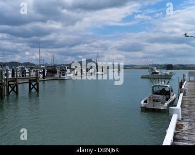 dh  WHANGAROA NEW ZEALAND Northland harbour pier and yacht marina - Stock Photo