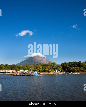 The small port of Moyogalpa on Ometepe Island in Lake Nicaragua, Nicaragua, Central America - Stock Photo