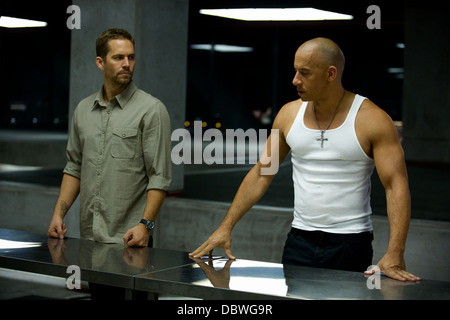 FAST AND FURIOUS 6 (2013) VIN DIESEL, PAUL WALKER JUSTIN LIN (DIR) 001 MOVIESTORE COLLECTION LTD - Stock Photo