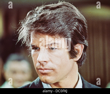 1970s PORTRAIT OF ACTOR WARREN BEATTY FROM FILM THE ONLY GAME INTOWN - Stock Photo