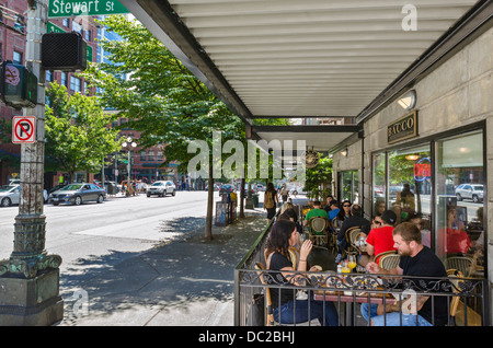 Cafe on 1st Avenue in downtown Seattle, Washington, USA - Stock Photo