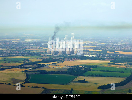 Highly visible pollution from coal fired power station, Ferrybridge B, West Yorkshire, Northern England UK - Stock Photo